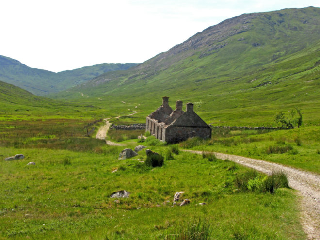 The-ruins-at-Tigh-na-sleubhaich
