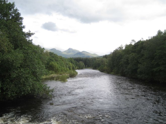 river-approaching-tyndrum